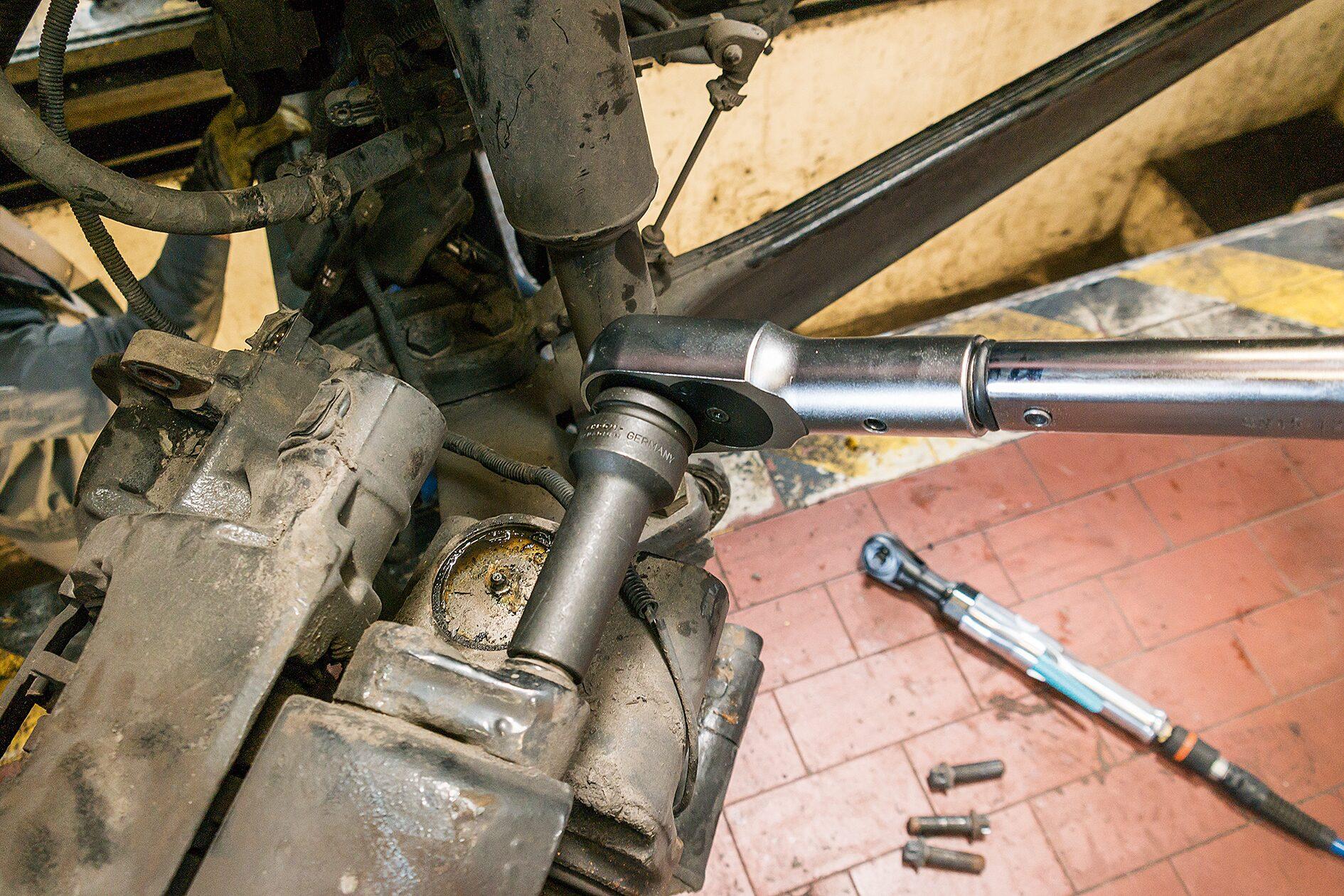 HAZET Schlag- ∙ Maschinenschrauber Steckschlüsseleinsatz TORX® 2850-E24 ∙ Vierkant hohl 20 mm (3/4 Zoll) ∙ E24