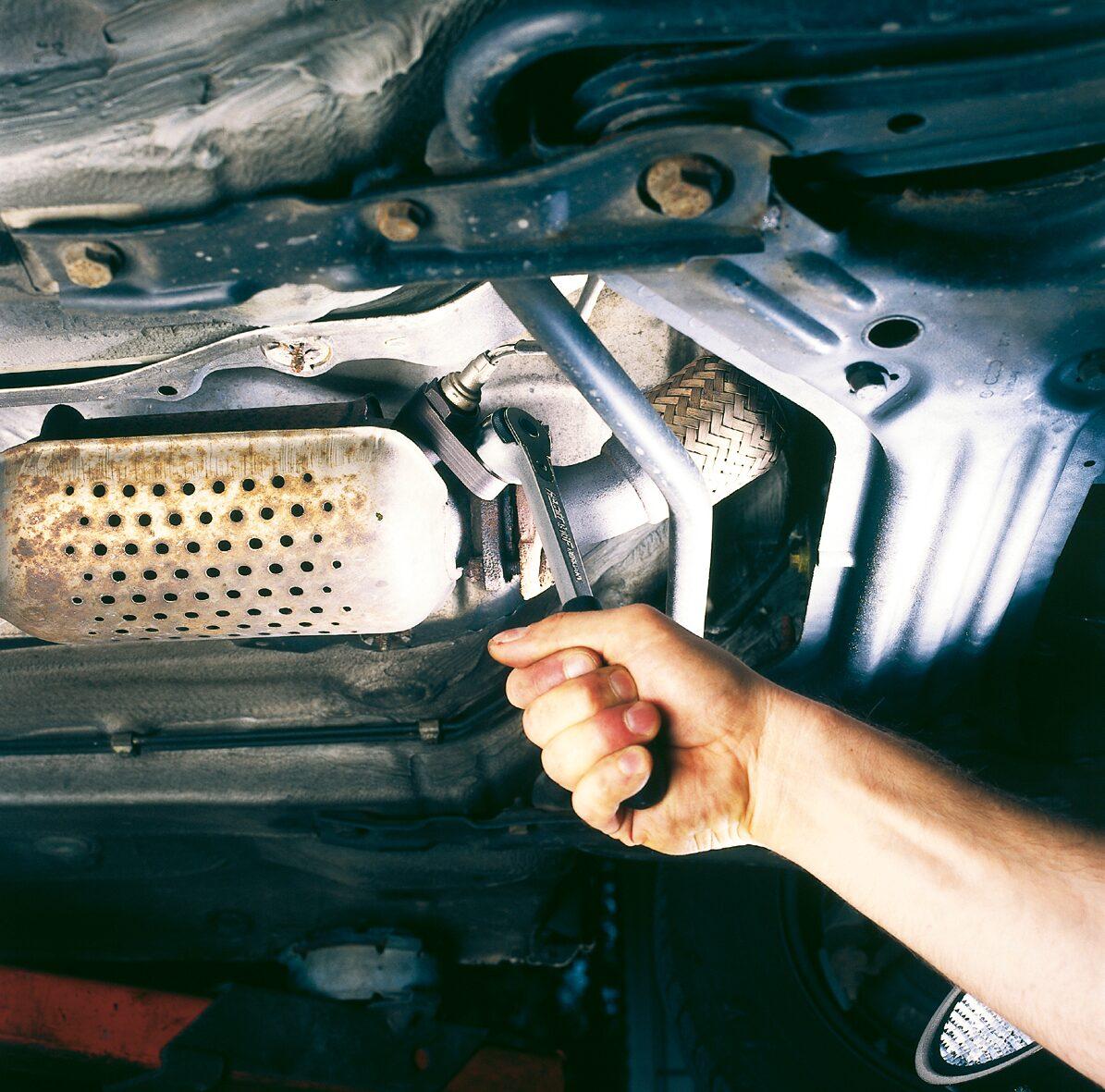 HAZET Lambda-Sonden Einsatz 4680-5 ∙ Doppel-Vierkant hohl 12,5 mm (1/2 Zoll) ∙ Außen-Sechskant Profil ∙ 22 mm