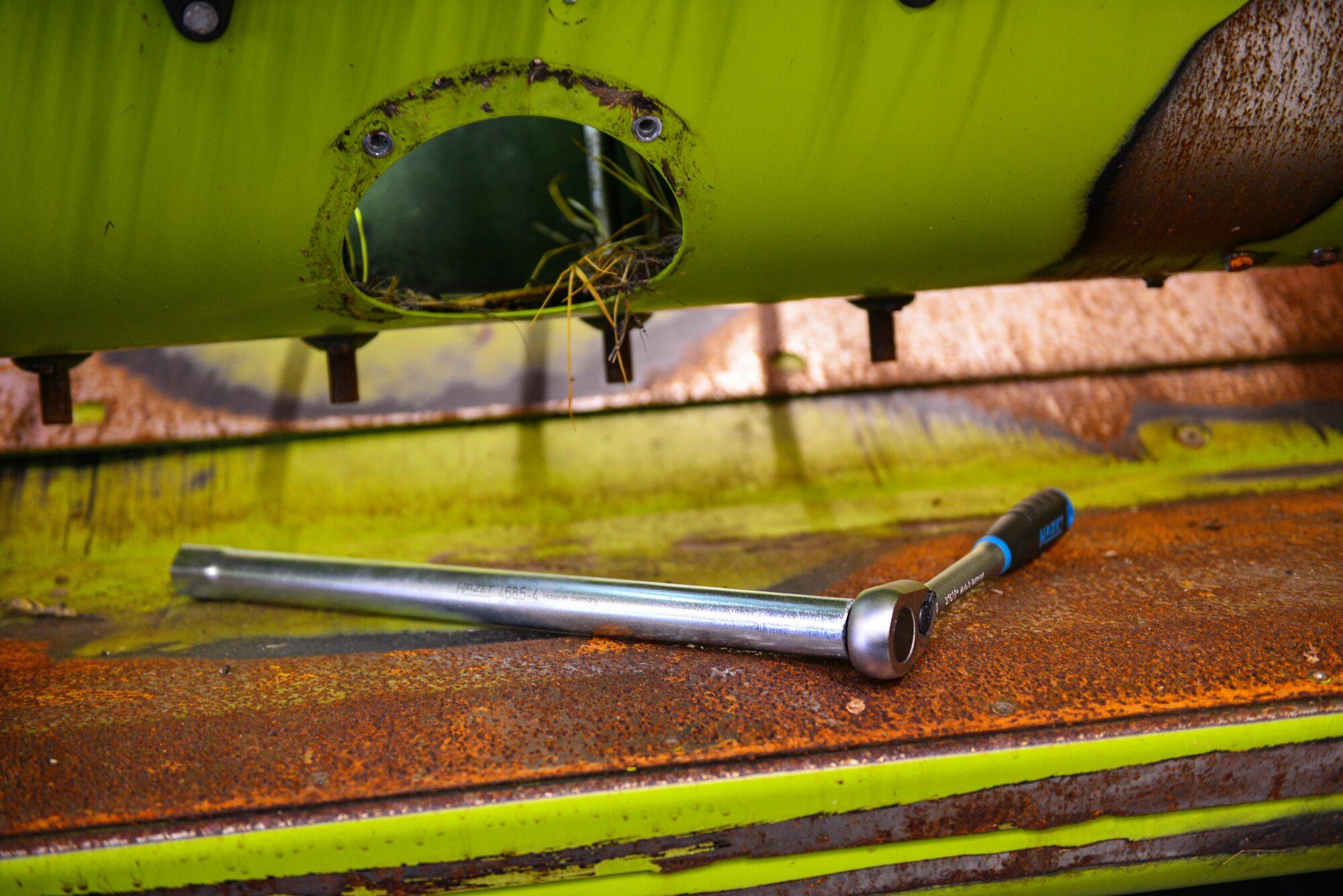 HAZET Rohr-Steckschlüssel 4685-4 ∙ Vierkant hohl 12,5 mm (1/2 Zoll) ∙ Außen-Sechskant Profil ∙ 24 mm