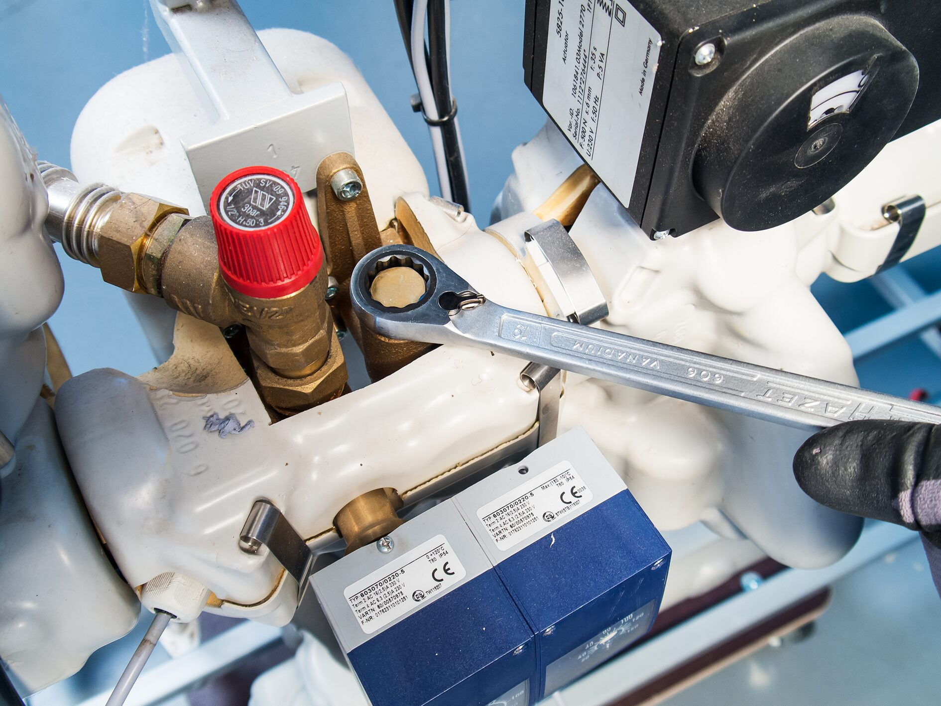 HAZET Knarren Ring-Maulschlüssel 606-30 ∙ Außen-Doppel-Sechskant-Tractionsprofil ∙ 30 mm