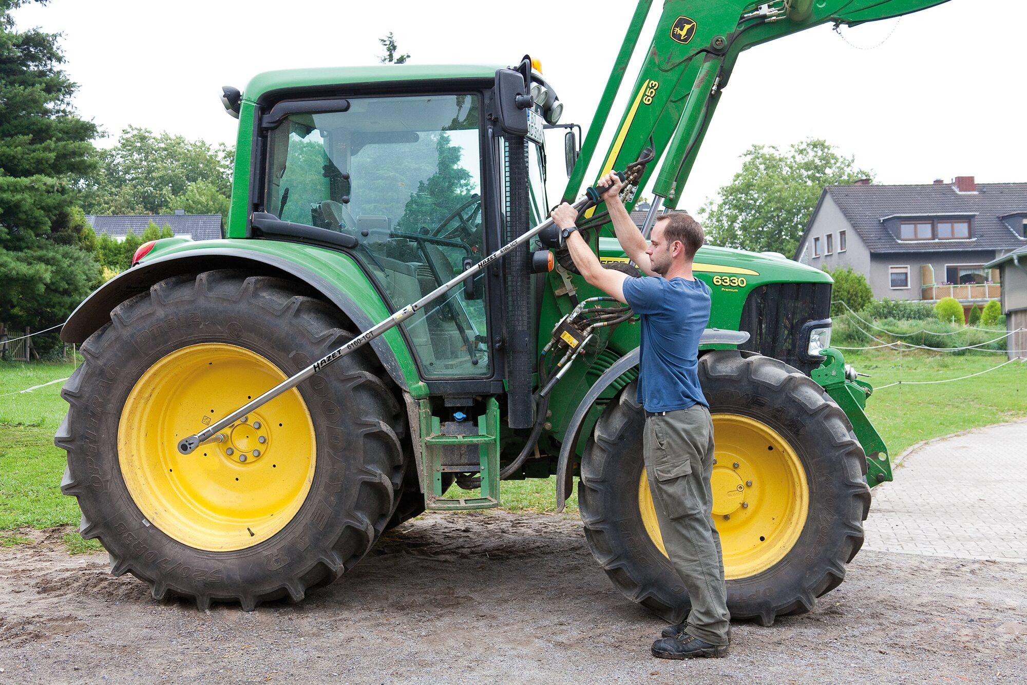 HAZET Drehmoment-Schlüssel 6160-1CTCAL ∙ Nm min-max: 600–1600 Nm ∙ Toleranz: 3% ∙ Vierkant massiv 25 mm (1 Zoll)