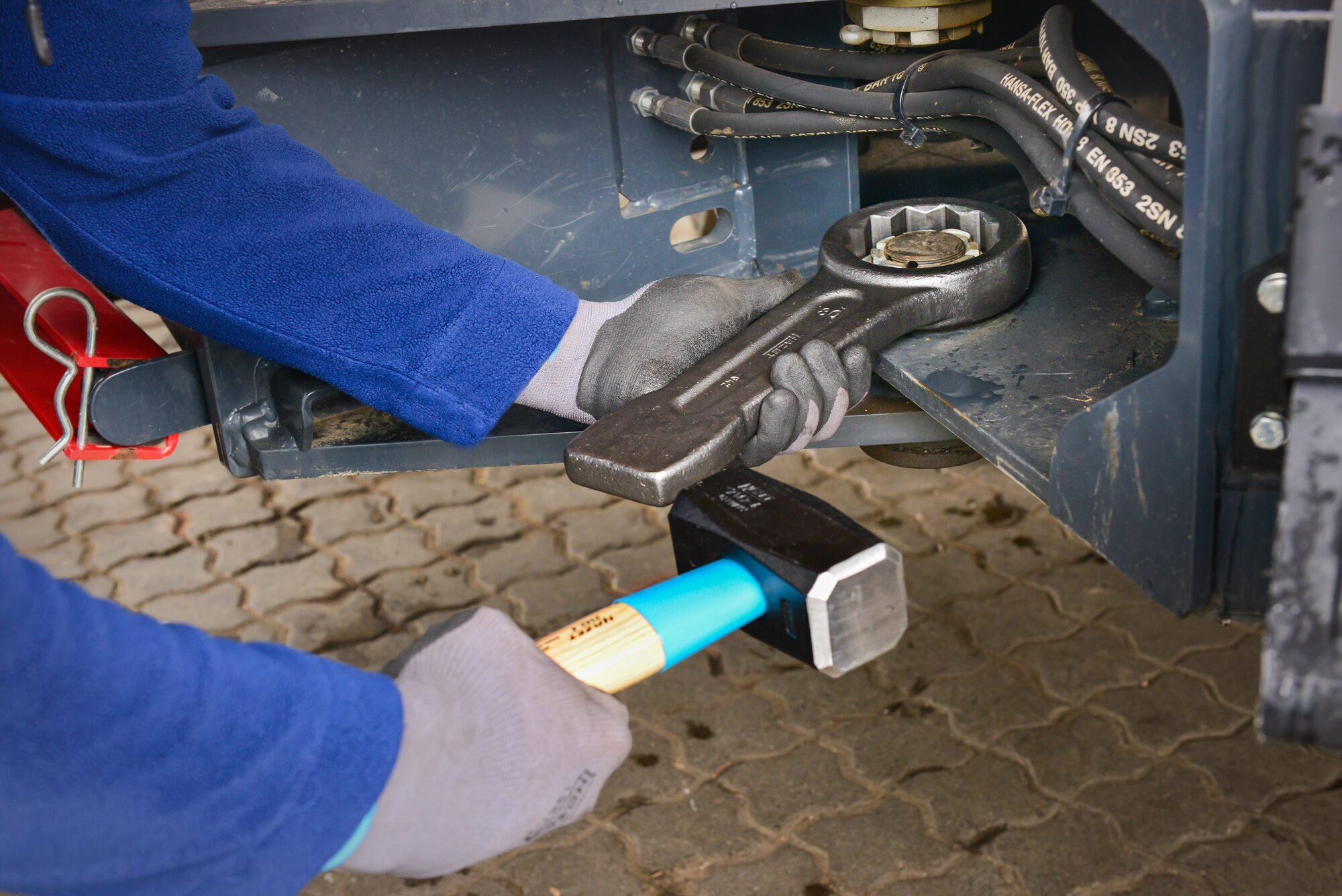 HAZET Schlag-Ringschlüssel 642-27 ∙ Außen-Doppel-Sechskant Profil ∙ 27 mm